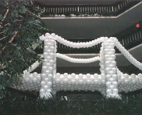 Brigde balloonsculpture