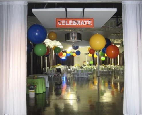 Giant balloon orbs