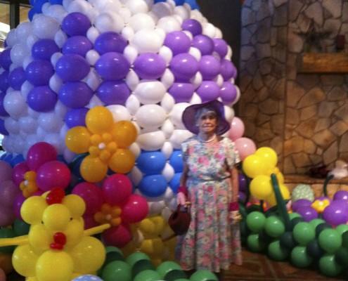 easter egg balloon sculptures