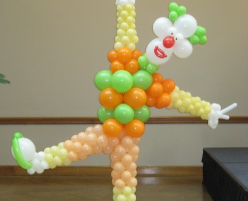 Colwn balloon Sculpture