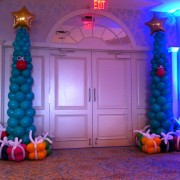 Balloon columns - Christmas trees