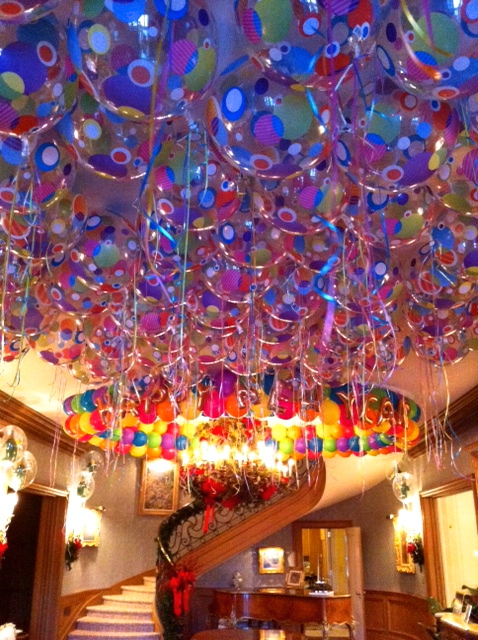 Ceilings dance floors balloon city will make your event for Balloon decoration for ceiling