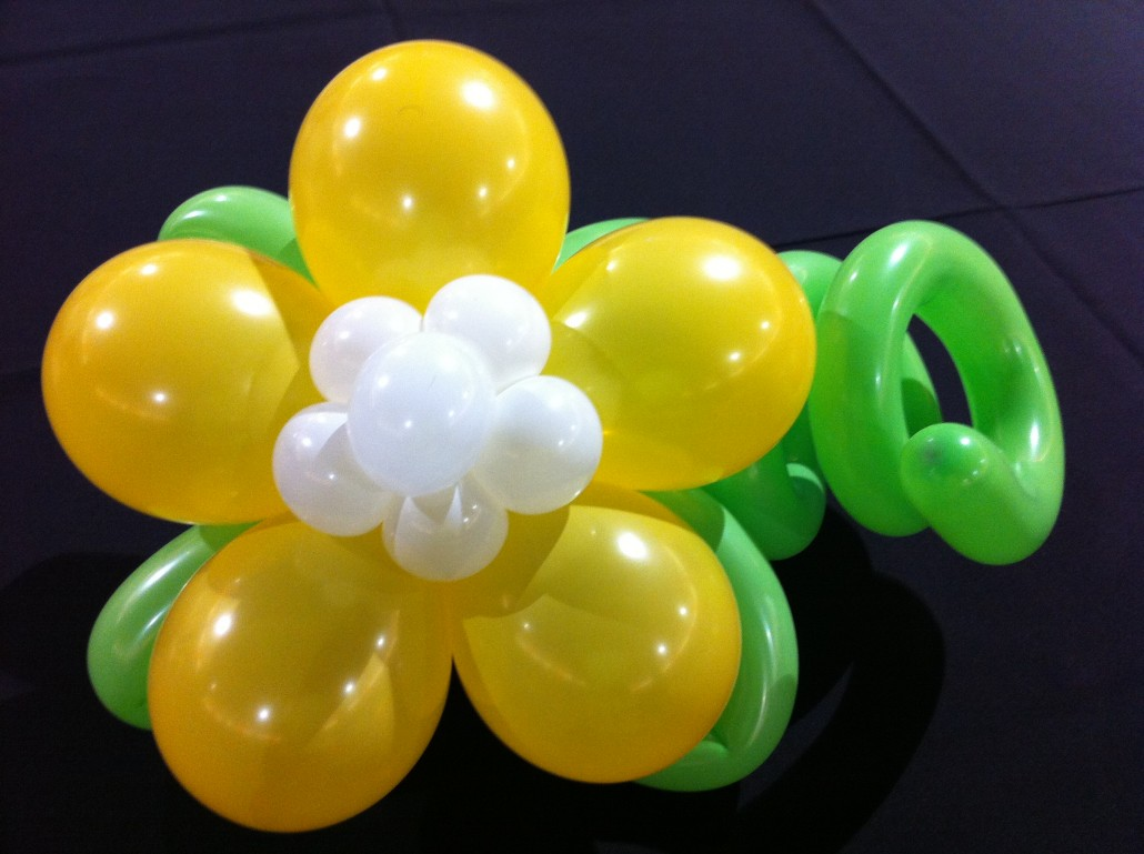 Balloon Centerpieces - Balloon City is a unique decorating company